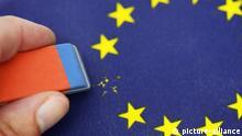 Aus EU-Fahne wird Stern ausradiert, Symbolfoto Brexit