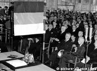 La asamblea constituyente, reunida en Bonn el 23 de mayo de 1949.