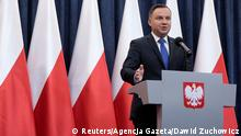 06.02.2018 *** Poland's President Andrzej Duda speaks during his media announcement about his decision on the Holocaust bill at Presidential Palace in Warsaw, Poland, February 6, 2018. Agencja Gazeta/Dawid Zuchowicz via REUTERS ATTENTION EDITORS - THIS IMAGE WAS PROVIDED BY A THIRD PARTY. POLAND OUT. NO COMMERCIAL OR EDITORIAL SALES IN POLAND.