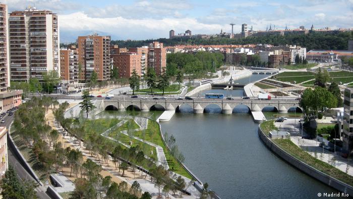 Madrid Puente de Segovia (Madrid Rio )
