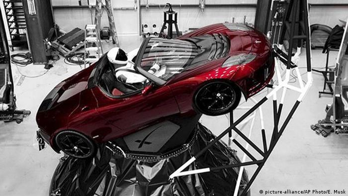 Starman Tesla (picture-alliance/AP Photo/E. Musk)