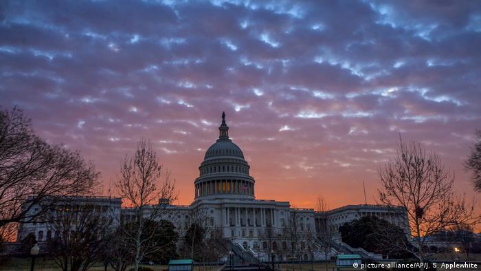 USA Washington Repräsentantenhaus (picture-alliance/AP/J. S. Applewhite)