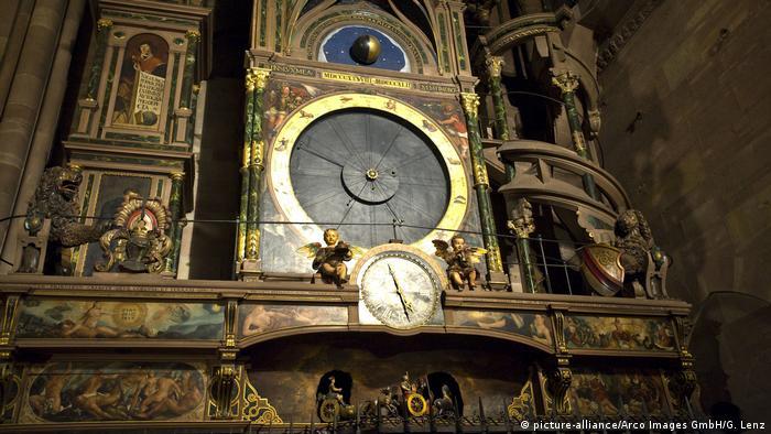 Los relojes más bellos de Europa. Reloj astronómico en Estrasburgo, Francia Alsacia
