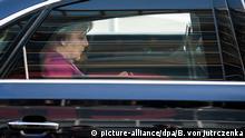 Koalitionsverhandlungen von Union und SPD Merkel Abfahrt