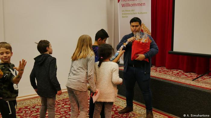 Berlin - Indonesische Community in Berlin hilft Kindern mit Behinderung (A. Simohartono)