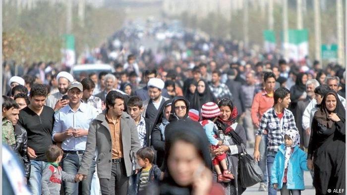 تنها جایی که رهبر جمهوری اسلامی اشتباهی را پذیرفته، سیاست کنترل جمعیت در دهه ۱۳۷۰ و ۱۳۸۰ شمسی است. او با استغفار از این رویکرد، در بهار ۱۳۹۳ از قوای سه گانه و زیرمجموعههای آنها خواست به قصد رشد اقتدار ملی برای افزایش نرخ رشد جمعیت بکوشند. با وجود تغییر یکشبه برنامههای دولتی تنظیم خانواده، منحنی تولد طبق انتظار بالا نرفت. در مقابل، هشدارها نسبت به منحنی سنی جمعیت ایران رساتر میشود.