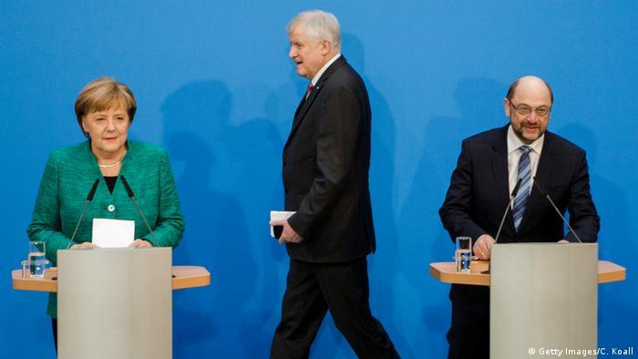Angela Merkel, Horst Seehofer und Martin Schulz bei der Vorstellung des Koalitionsvertrags in Berlin (07.02.2018) (Getty Images/C. Koall)