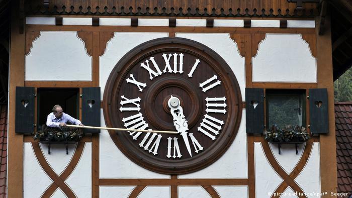fc099b313aa Dez razões para visitar Baden-Württemberg. Um cuco como souvenir. Os  relógios ...