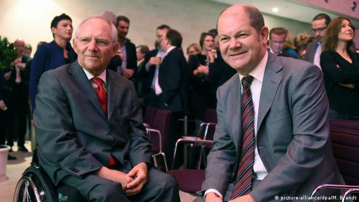 Wolfgang Schäuble and Olaf Scholz in Hamburg in 2014