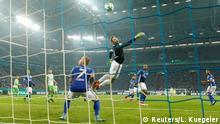 Deutschland DFB Pokal Schalke gegen Wolfsburg