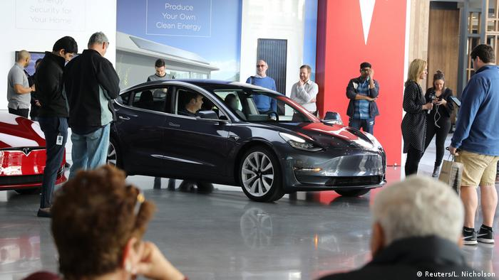 USA Tesla Model 3 (Reuters/L. Nicholson)