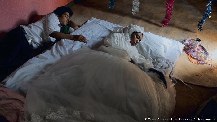 نمایی از فیلم هندی و هرمز، ساخته عباس امینی