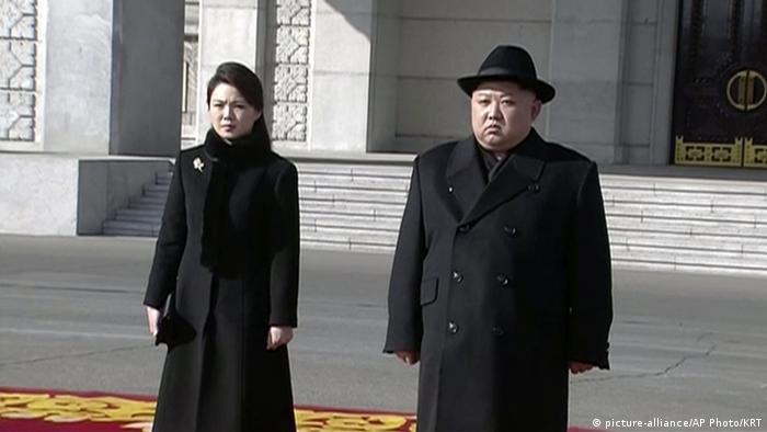 Kim Jong-un y su mujer en el desfile militar