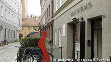 Das Geburtshaus des Dichters Bertolt Brecht in Augsburg (Schwaben) am 30.08.2007. Foto: Stefan Puchner dpa/lby +++(c) dpa - Report+++ | Verwendung weltweit