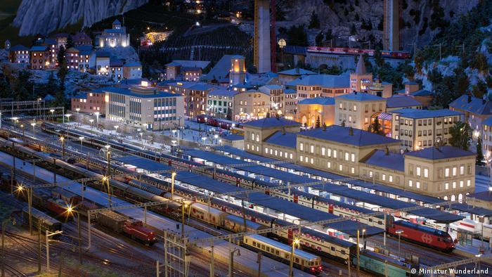 A train station in Miniatur Wunderland (Miniatur Wunderland)