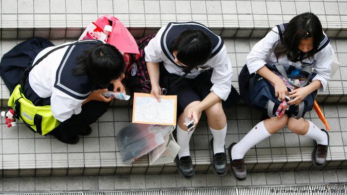 Japanese pupils in school uniforms