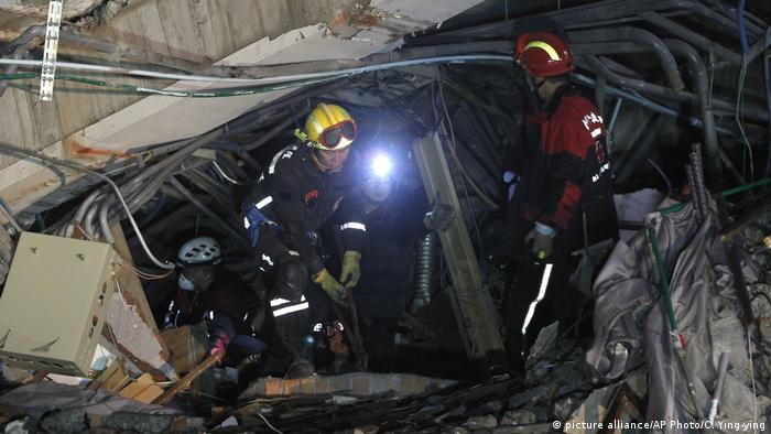 Taiwan quake toll rises to 14 dead
