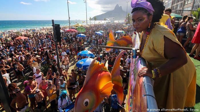 a28cb3d1fd19 Politização dá o tom no Carnaval do Rio | Notícias e análises sobre ...