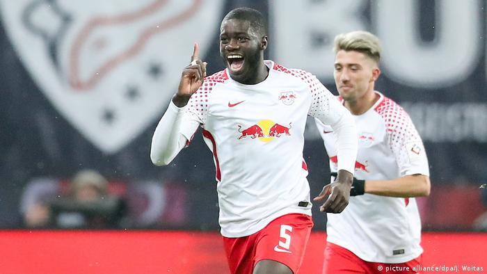 Fussball Bundesliga RB Leipzig vs Augsburg - Tor 1:0 (picture alliance/dpa/J. Woitas)