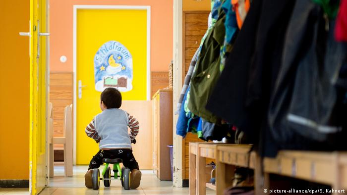 Child daycare centers in Germany (picture-alliance/dpa/S. Kahnert)