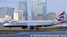 UK Flugzeug von British Airways im London City Flughafen