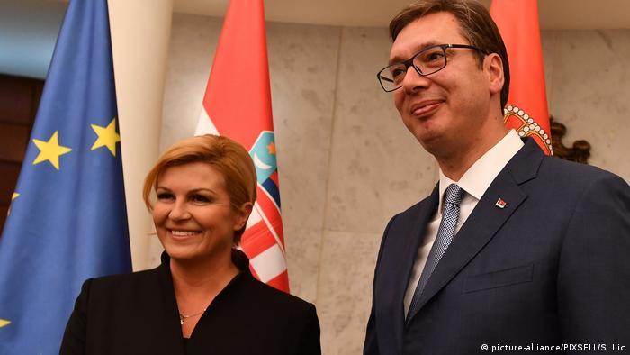 Serbien Belgrad - Aleksandar Vucic und Kolinda Grabar-Kitarovic (picture-alliance/PIXSELL/S. Ilic)