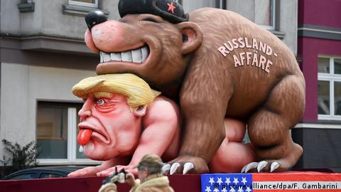 Donald Trump on a float in Düsseldorf (picture-alliance/dpa/F. Gambarini)