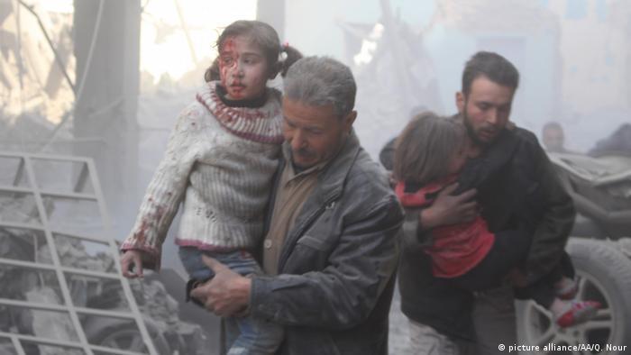 Syrische Armee setzt Beschuss von Ost-Ghouta fort (picture alliance/AA/Q. Nour)
