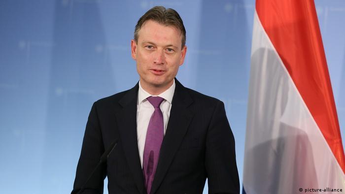 Halbe Zijlstra, do conservador-liberal VVD, é ministro do Exterior desde outubro de 2017