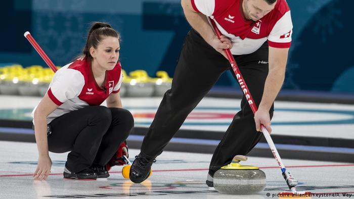 PYEONGCHANG 2018 Olympische Winterspiele Curling Schweiz (picture-alliance/Keystone/A. Wey)