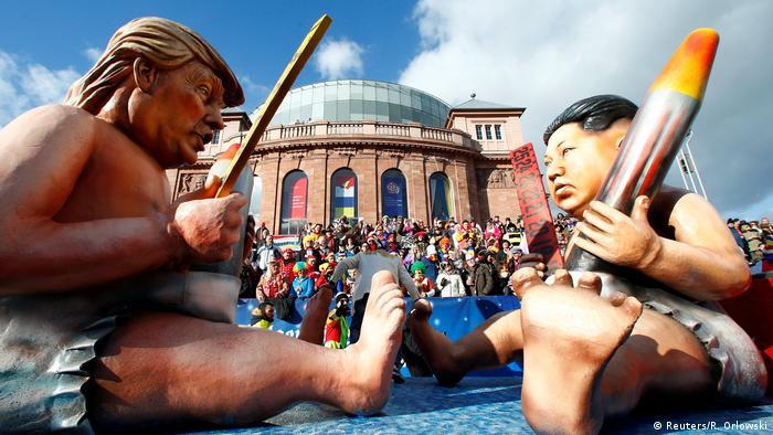 Deutschland Karneval Rosenmontagszug in Mainz