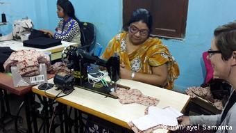 Indien Kolkata Herstellung Menstruationstücher
