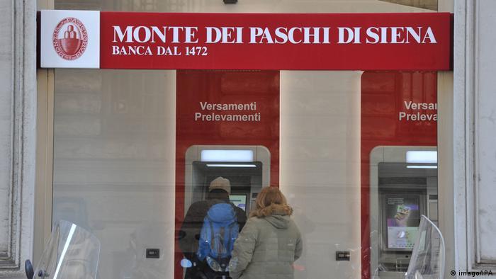 Italien Wahlkampf 2018 | Bankautomat der Bank Monte dei Paschi in Siena