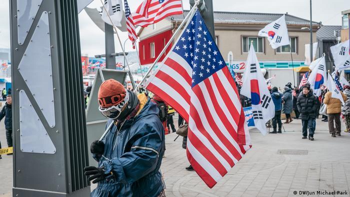 Pyeongchang, Anti-North-Korea Protests (DW/Jun Michael Park)