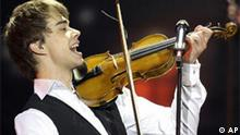 Norway's Alexander Rybak performs during the 2009 Eurovision Song Contest final at the Olympic Stadium in Moscow, Russia, early Sunday, May 17, 2009. (AP Photo/Sergey Ponomarev)