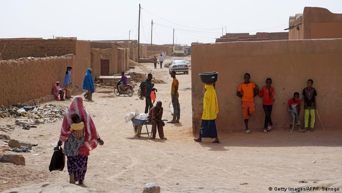 Street scene in Agadez