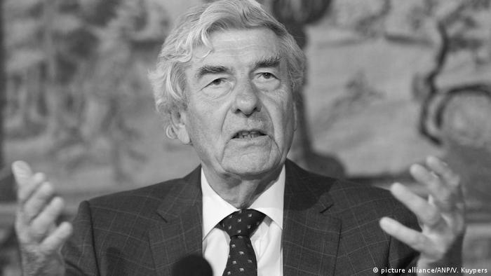Former Dutch prime minister Ruud Lubbers in B/W (picture alliance/ANP/V. Kuypers)