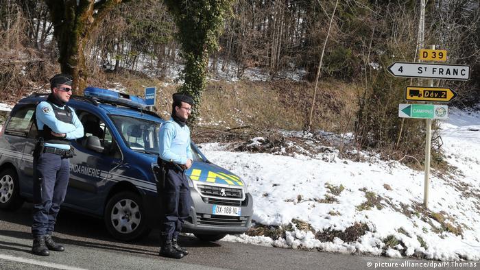 Police in Pont de Beauvoisin l investigate Maelys de Araujo's murder (picture-alliance/dpa/M.Thomas)