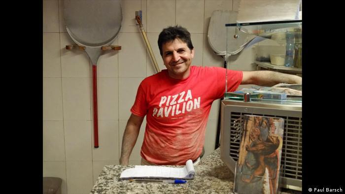 Pizzabäcker in der Küche (Foto: Paul Barsch)
