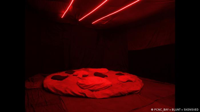 Düsseldorf - Ausstellung Pizza is God (PCNC_BAY x BLUNT x SKENSVED)