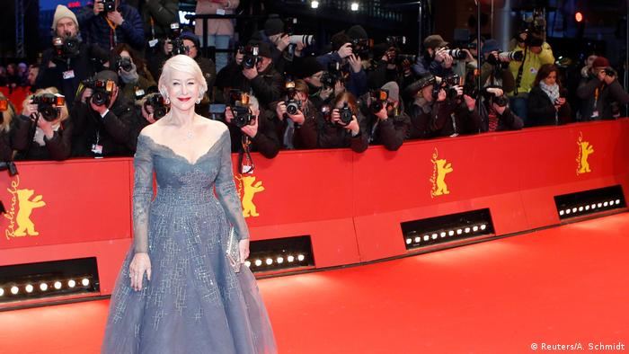 La actriz Helen Mirren en la alfombra roja de Berlín (Reuters/A. Schmidt)