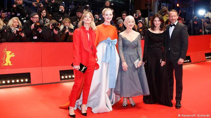Elle Fanning, Helen Mirren, Heike Makatsch, Iris Berben e Wotan Wilke Moehring no tapete vermelho de Berlim