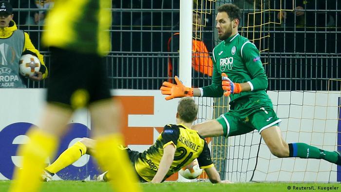 Fußball Europa League Borussia Dortmund vs Atalanta Bergamo Torl 1:0 (Reuters/L. Kuegeler)