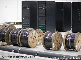 Супер-комп'ютер у Науково-дослідному центрі в Юліху