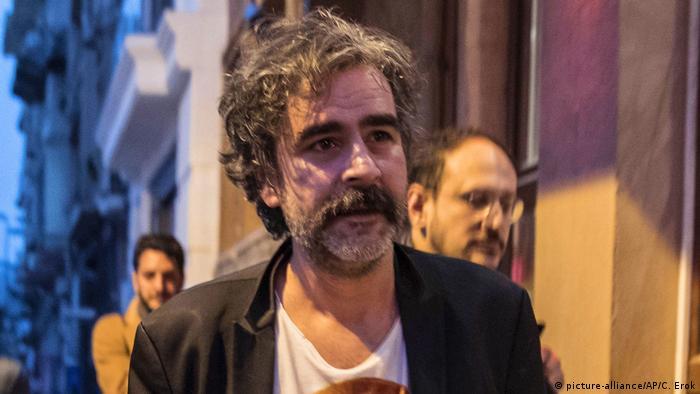 Deniz Yücel nakon puštanja na slobodu