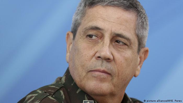 General Braga Netto, ministro da Casa Civil, está com o coronavírus
