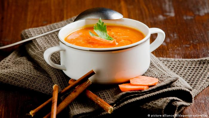 Karotte-Suppe (picture-alliance/Bildagentur-online/Yay)
