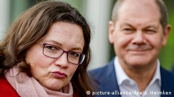 Andrea Nahles und Olaf Scholz (picture-alliance/dpa/A. Heimken)