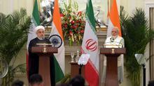 Iranischer Präsident Rohani mit indischem Ministerpräsidenten Modi