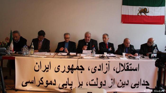 Podiumdiskussion über Übergang zur Demokratie im Iran in Köln